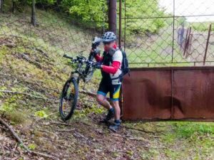 Preliezanie plotu zvernice